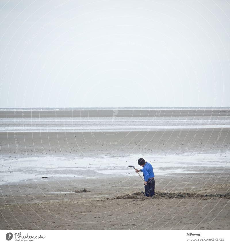 "last ""men"" standing Spielen Kinderspiel Mensch maskulin Junge Kindheit 1 8-13 Jahre Landschaft Himmel Küste Strand Nordsee Ostsee Meer Insel bauen trist"