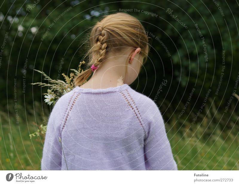 Leonie Mensch feminin Mädchen Kindheit Körper Haut Kopf Haare & Frisuren Gesicht Ohr Rücken 8-13 Jahre Umwelt Natur Landschaft Pflanze Sommer Baum Gras