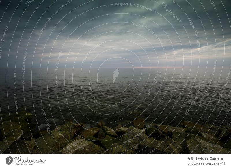 Hiddensee l beginnende Düsternis Umwelt Natur Landschaft Urelemente Wasser Frühling Sommer Klima Klimawandel Wetter schlechtes Wetter Unwetter Sturm Strand Meer