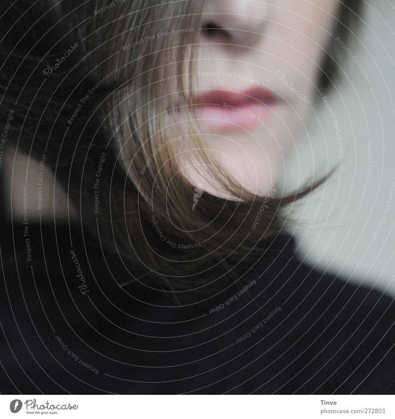 Schwung feminin Junge Frau Jugendliche Erwachsene Kopf Haare & Frisuren Nase Mund 1 Mensch brünett kurzhaarig schön grau rosa schwarz Haarsträhne Haarspitze