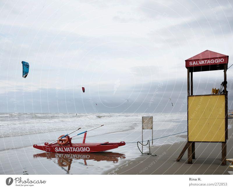 Salvataggio Ferien & Urlaub & Reisen Sommerurlaub Strand Meer Wellen Wassersport Surfen Kiting Himmel Gewitterwolken Horizont Klima schlechtes Wetter Wind Sturm