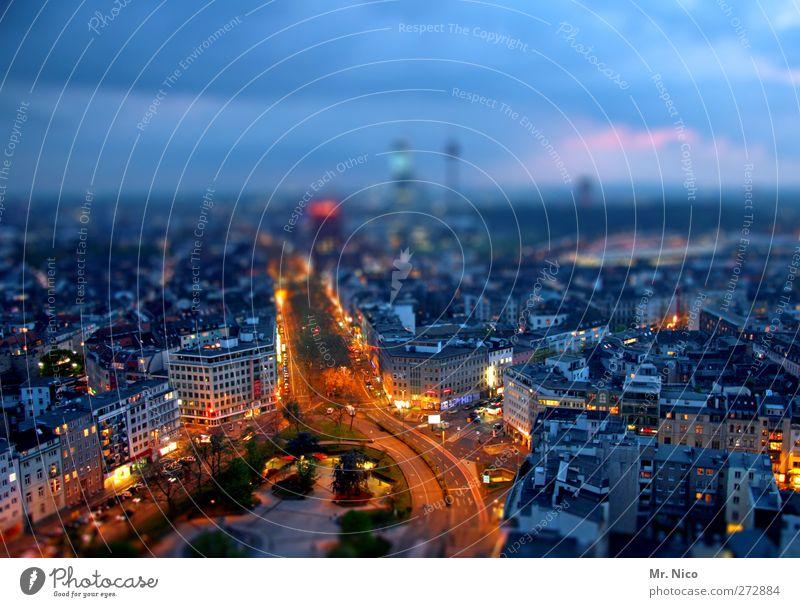 Big City Lights II Himmel Wolken Stadt Stadtzentrum Skyline bevölkert Hochhaus Gebäude Architektur Straßenverkehr Straßenkreuzung Leben Nachtleben Stress