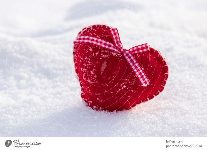 Gefrorenen Herz Feste & Feiern Valentinstag Winter Schnee Spielzeug wählen Liebe Fröhlichkeit rot Sympathie Freundschaft Romantik Idylle Lebensfreude Filz