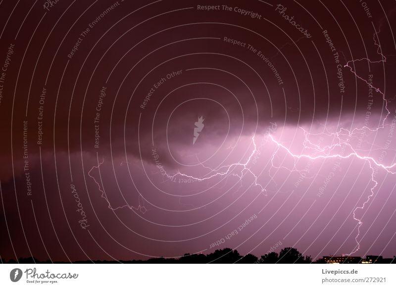 Flash,ahaaaaa..... Gewitterwolken Sommer Blitze Aggression außergewöhnlich bedrohlich dunkel gruselig violett schwarz weiß gefährlich Blitzschlag Unwetter