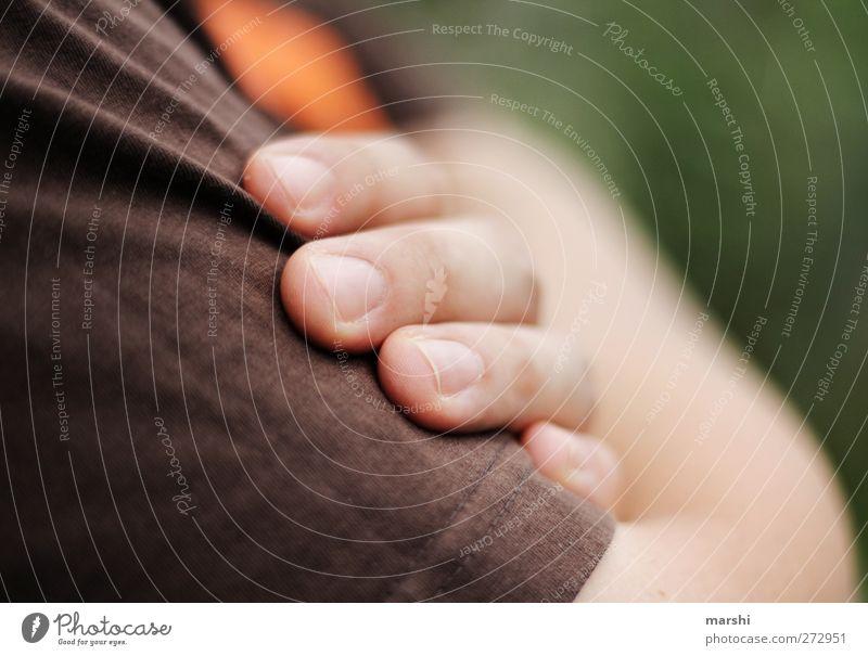 Körpersprache Mensch Mann Jugendliche Hand Erwachsene Gefühle braun Stimmung Junger Mann Arme maskulin Finger Körperhaltung antik verschränkt Einstellungen