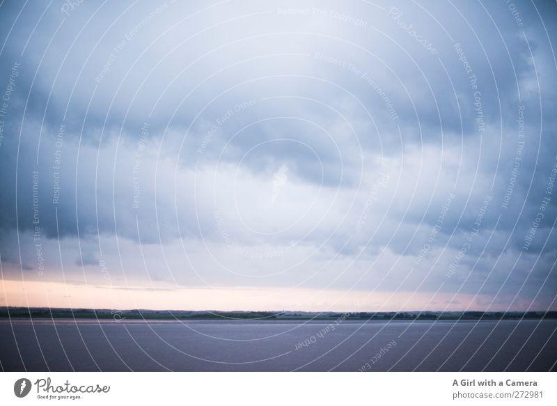 The sky over Hull Umwelt Natur Landschaft Himmel Wolken Gewitterwolken Horizont Frühling schlechtes Wetter Unwetter Wind Sturm Küste Strand Ferne gigantisch
