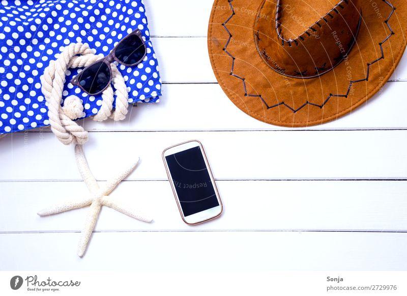 Strandurlaub am Meer Lifestyle Ferien & Urlaub & Reisen Tourismus Sommer Sommerurlaub Sonne Sonnenbrille Hut Badetasche Sonnenhut Seestern Zeichen Netzwerk