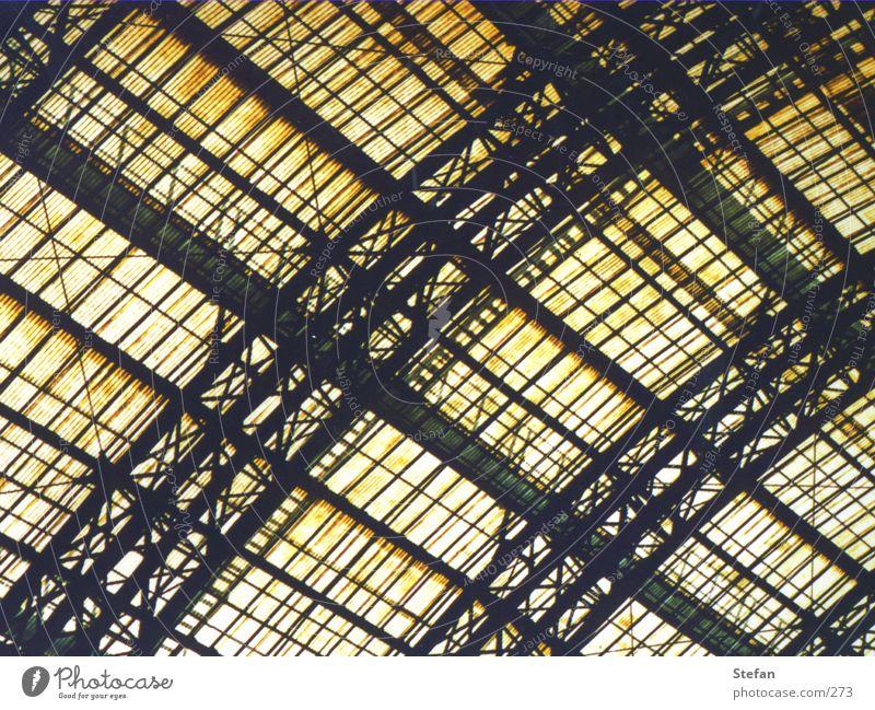Tor zum Himmel Dach fest Architektur Glas Bahnhof