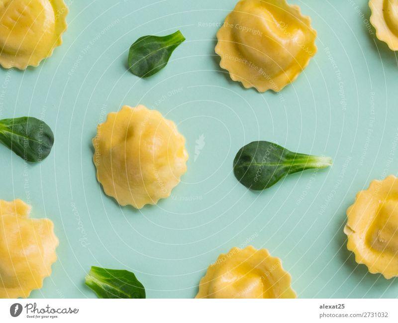 grün Aussicht Kreativität kochen & garen Fotografie lecker Tradition Essen zubereiten Abendessen Mahlzeit Top Mittagessen horizontal roh Feinschmecker Ravioli