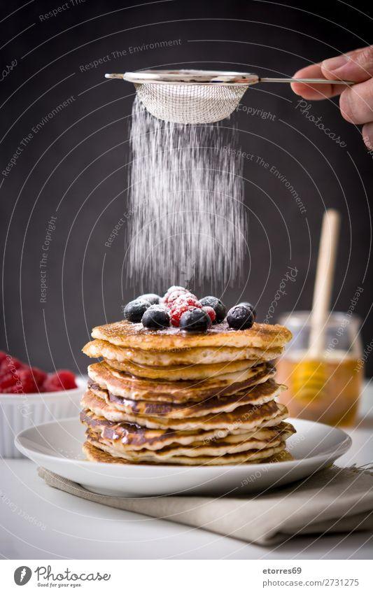 Gesunde Ernährung blau Farbe Foodfotografie Lebensmittel Holz Menschengruppe Frucht süß kochen & garen Fotografie lecker Küche Dessert Frühstück