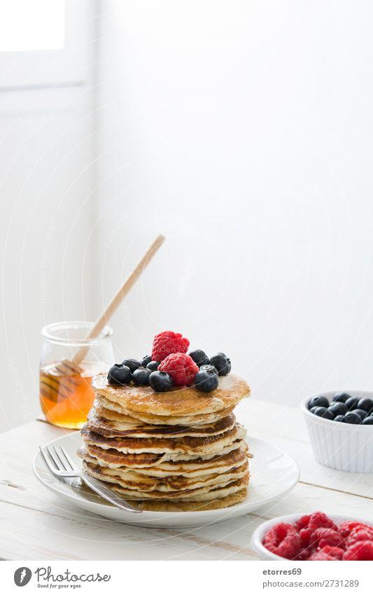 Gesunde Ernährung blau Farbe Foodfotografie Lebensmittel Holz Menschengruppe Frucht Dekoration & Verzierung süß kochen & garen Fotografie lecker Küche Dessert