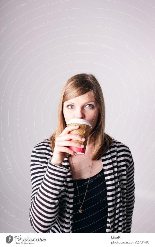 kaffeepause Frühstück Kaffeetrinken Getränk Kakao Latte Macchiato Espresso Becher Wellness Erholung Freizeit & Hobby feminin Junge Frau Jugendliche Kopf