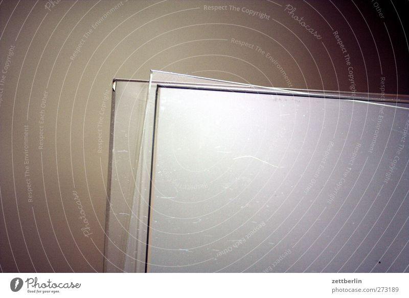 Glas Gefühle Glasscheibe Scheibe Fensterscheibe Glaser Vorrat Material Lager Reflexion & Spiegelung Farbfoto Gedeckte Farben Innenaufnahme Detailaufnahme