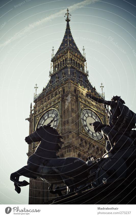 Big Ben Skulptur Architektur Himmel London England Englisch Europa Stadt Hauptstadt Stadtzentrum Turm Uhrenturm Sehenswürdigkeit Wahrzeichen Denkmal alt