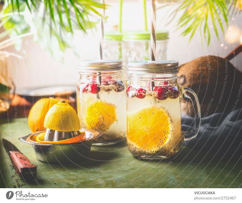 Chia Samen Limonade mit Zitronensaft Lebensmittel Frucht Getränk Erfrischungsgetränk Trinkwasser Saft Lifestyle Stil Design Gesundheit Gesunde Ernährung Sommer