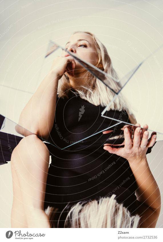 Mirror, Mirror.... Lifestyle elegant Stil schön Junge Frau Jugendliche 18-30 Jahre Erwachsene Kleid blond langhaarig berühren Denken träumen Traurigkeit Wärme