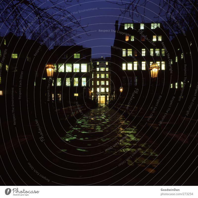 London. Stadt Hauptstadt Stadtzentrum Altstadt Menschenleer dunkel authentisch Unendlichkeit kalt Stimmung Farbfoto Außenaufnahme Nacht Kunstlicht Licht