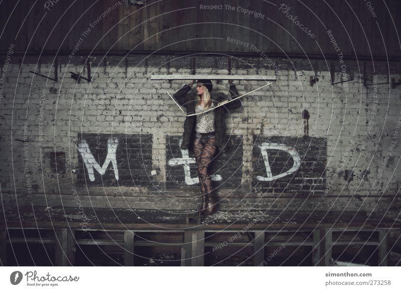 ruine Lifestyle Stil Veranstaltung Tanzen 1 Mensch Mode Mantel Strumpfhose Fell Haare & Frisuren blond schön Erotik Surrealismus Model Graffiti Ruine Industrie