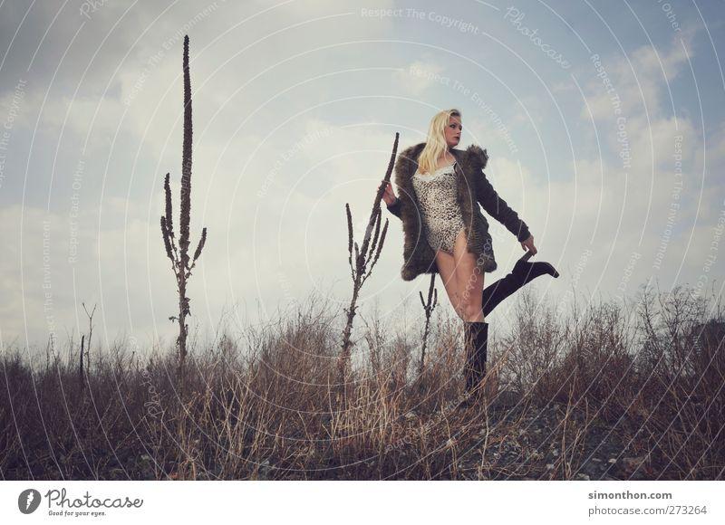 surreal Mensch Himmel schön Pflanze Einsamkeit ruhig Stil Zufriedenheit Kraft elegant Abenteuer Sicherheit einzigartig Körperhaltung Model skurril