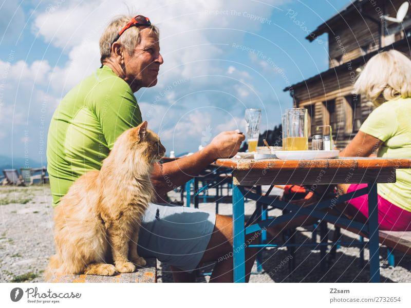 Lunch Freizeit & Hobby Ferien & Urlaub & Reisen wandern Weiblicher Senior Frau Männlicher Senior Mann 60 und älter Natur Landschaft Himmel Wolken blond Haustier