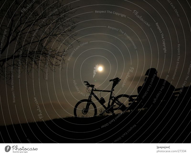 bikin' in the moonlight Mountainbike ruhig Nacht Pause Extremsport Mond nightride Silhouette