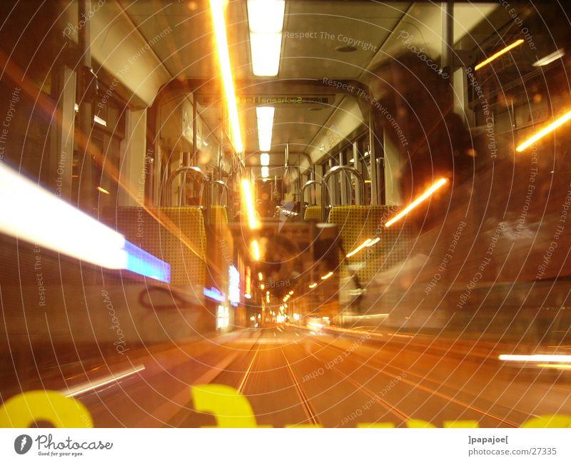 nightliner Straßenbahn Nacht Reflexion & Spiegelung Geschwindigkeit Langzeitbelichtung Verkehr linie 13