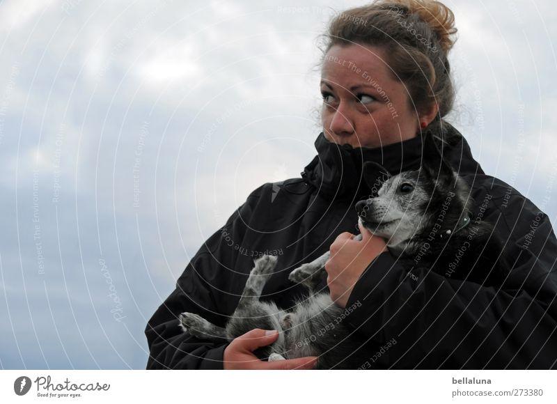Hiddensee | Gute Reise, Axel. Hund Mensch Frau Himmel Jugendliche Meer Tier Wolken Erwachsene Gesicht Liebe feminin Leben Gefühle Frühling Kopf