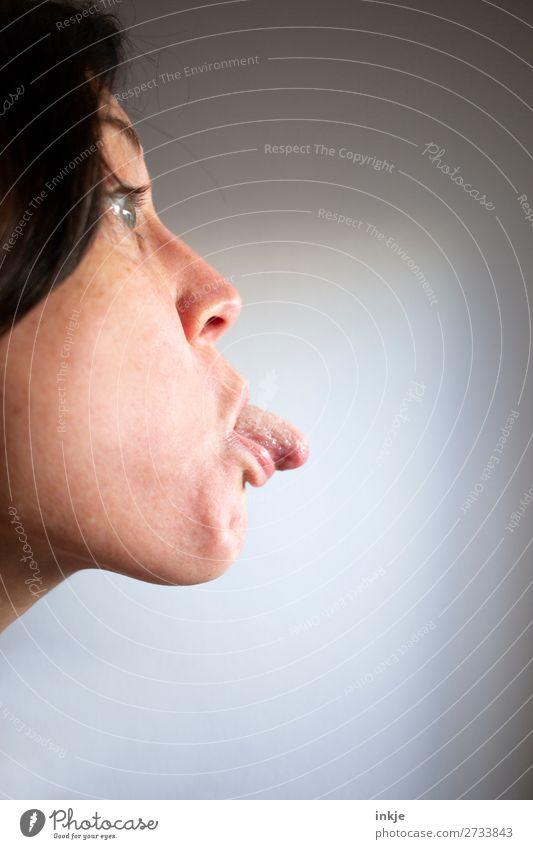 :-P Lifestyle Freude Freizeit & Hobby Junge Frau Jugendliche Erwachsene Leben Gesicht Zunge 1 Mensch 30-45 Jahre 45-60 Jahre Kommunizieren machen authentisch