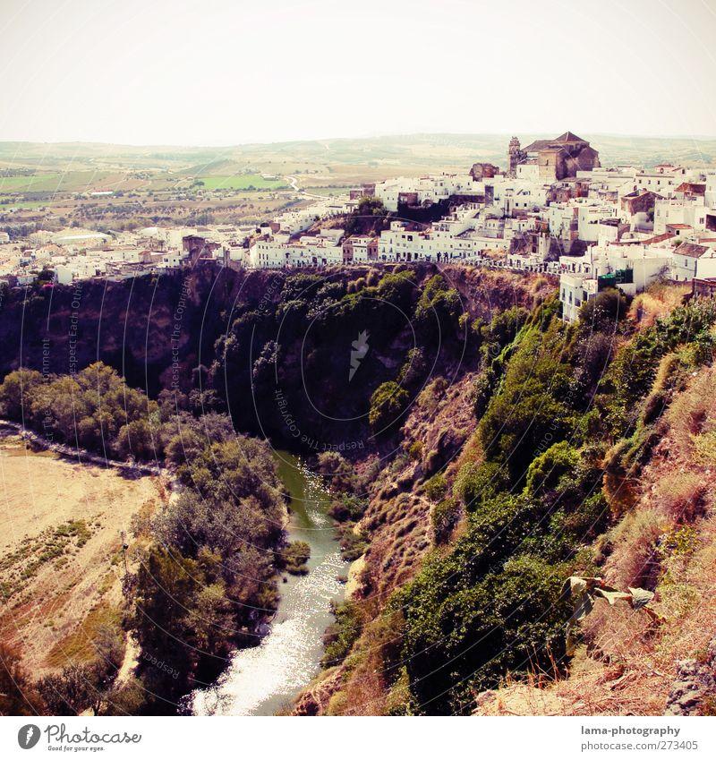 Arcos [LI] Natur Ferien & Urlaub & Reisen weiß Pflanze Haus Ferne Landschaft Felsen außergewöhnlich Tourismus Sträucher Fluss Hügel Dorf historisch Spanien