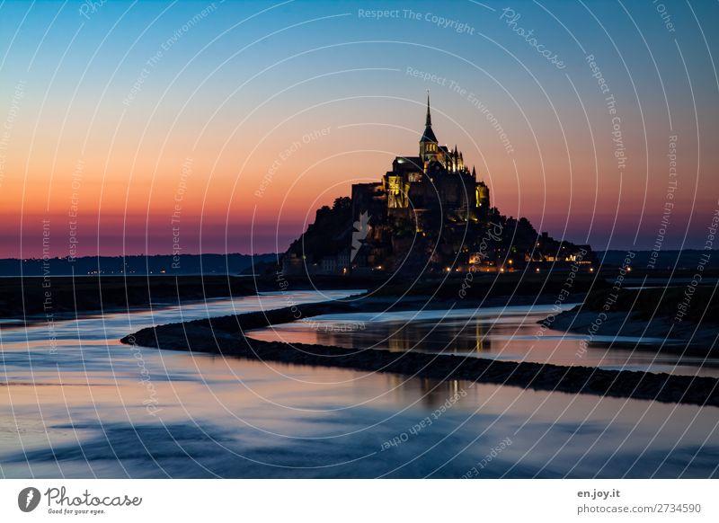 Le Mont Ferien & Urlaub & Reisen Ausflug Sightseeing Landschaft Wolkenloser Himmel Nachthimmel Horizont Sonnenaufgang Sonnenuntergang Meer Fluss