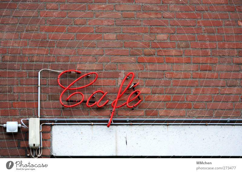 oder Tee? Erholung Wand Mauer Fassade Tourismus Freizeit & Hobby Schilder & Markierungen Schriftzeichen Kommunizieren Tanzen Ausflug Hinweisschild Getränk