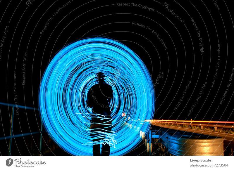 BLAU WIE SAU Mensch maskulin Mann Erwachsene Körper 1 Kunst Maler Verkehr Verkehrswege Straßenverkehr Autofahren Fußgänger Wege & Pfade Fahrzeug PKW leuchten