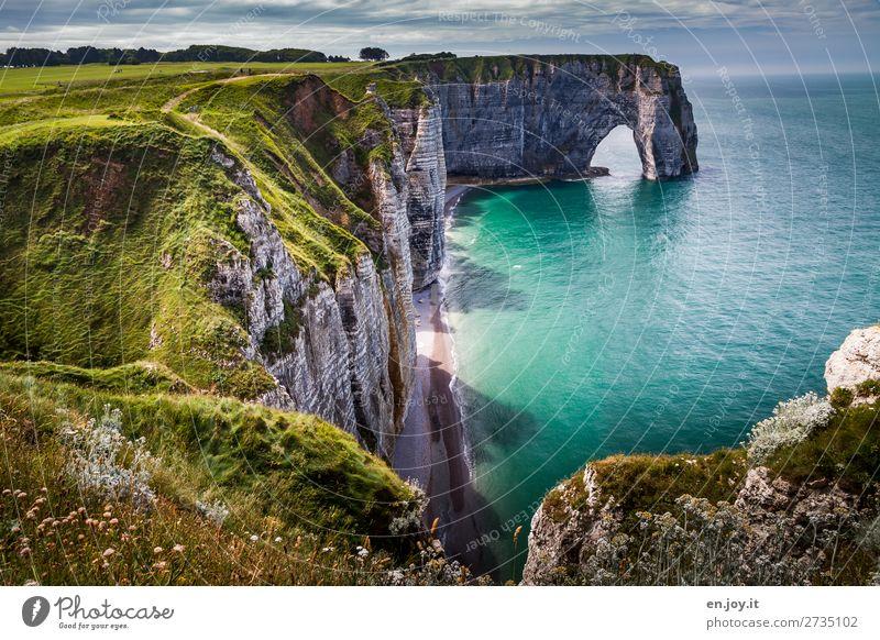 abwärts Ferien & Urlaub & Reisen Tourismus Ausflug Ferne Sightseeing Sommer Sommerurlaub Meer Natur Landschaft Horizont Schönes Wetter Wiese Felsen Küste Bucht