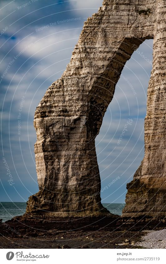 lässig Ferien & Urlaub & Reisen Meer Natur Landschaft Himmel Wolken Horizont Sommer Schönes Wetter Felsen Küste Klippe kreideklippen Felsbogen bizarr Klima
