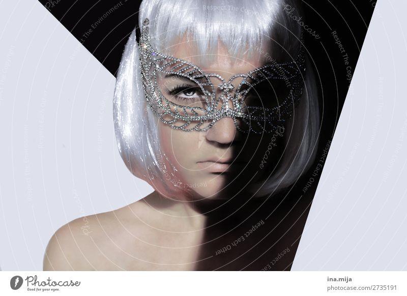 _ Stil Party ausgehen Feste & Feiern clubbing Mensch Junge Frau Jugendliche Gesicht 1 Accessoire Maske Haare & Frisuren weißhaarig kurzhaarig Perücke Pony