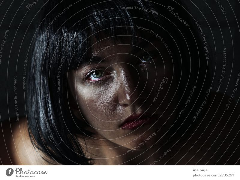 Warum? Mensch Jugendliche Junge Frau 18-30 Jahre Gesicht Erwachsene Traurigkeit Gefühle Haare & Frisuren Stimmung Angst 13-18 Jahre Kraft Armut Trauer Stress