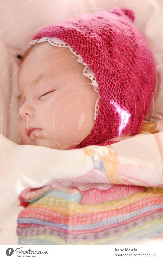 Neugeborenes Schlafen sparen schön Gesicht Erholung Winter Kinderzimmer Kindererziehung Kindergarten Mensch feminin Baby Mädchen Kindheit Auge 1 0-12 Monate