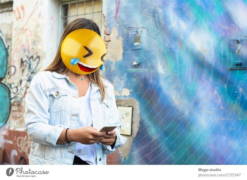 Emoji Kopf Frau Lifestyle Stil Glück Business sprechen Telefon PDA Technik & Technologie Internet Mensch Erwachsene Lächeln sitzen stehen Telefongespräch modern