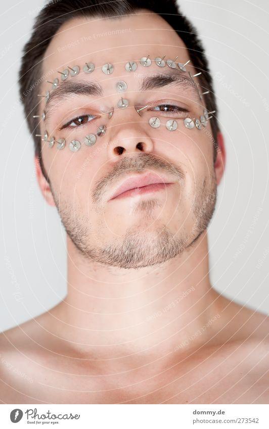 thumbtackattack Mensch maskulin Mann Erwachsene Körper Haut Kopf Gesicht Auge Ohr Nase Mund Bart 1 18-30 Jahre Jugendliche stehen leuchten bedrohlich nerdig