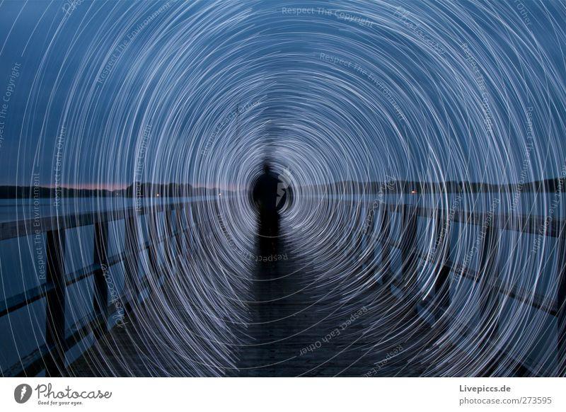 Steg an der Müritz Mensch Mann Jugendliche blau Wasser weiß Strand Erwachsene See Kunst Junger Mann Körper gehen maskulin leuchten Hafen