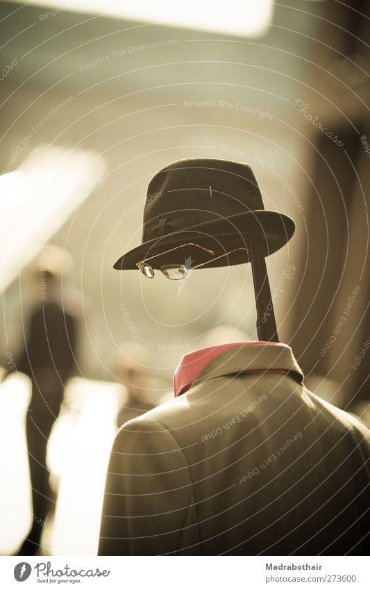 kopflos in der City Lifestyle Freude Mensch maskulin Mann Erwachsene Künstler Straßentheater Pantomime Stadt bevölkert Hemd Anzug Hut Brille stehen