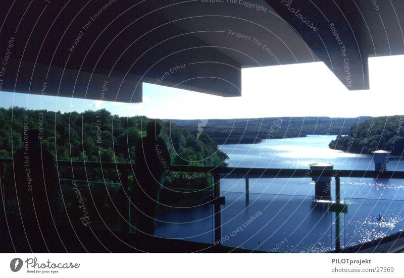 Stauseeblick Wasser ruhig Ferne Architektur Aussicht