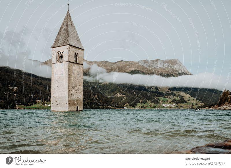 Kirche im Wasser - Reschensee wasser reschensee reschenpass alpen Südtiroler südtiol wolken berge kirchturm glocken ertrinken glaube