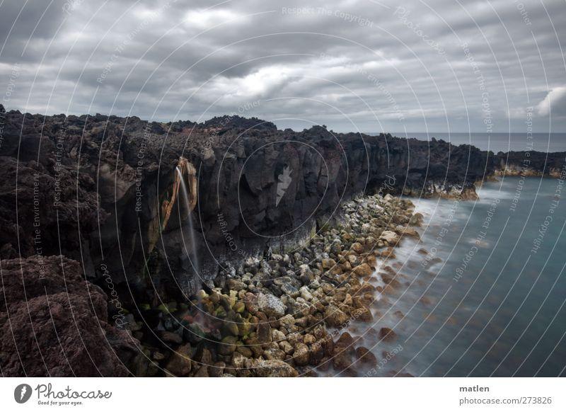 die heisse Quelle Natur Landschaft Urelemente Wasser Wolken Horizont Sommer Wetter schlechtes Wetter Küste Strand Bucht Meer Insel Wasserfall blau braun grau