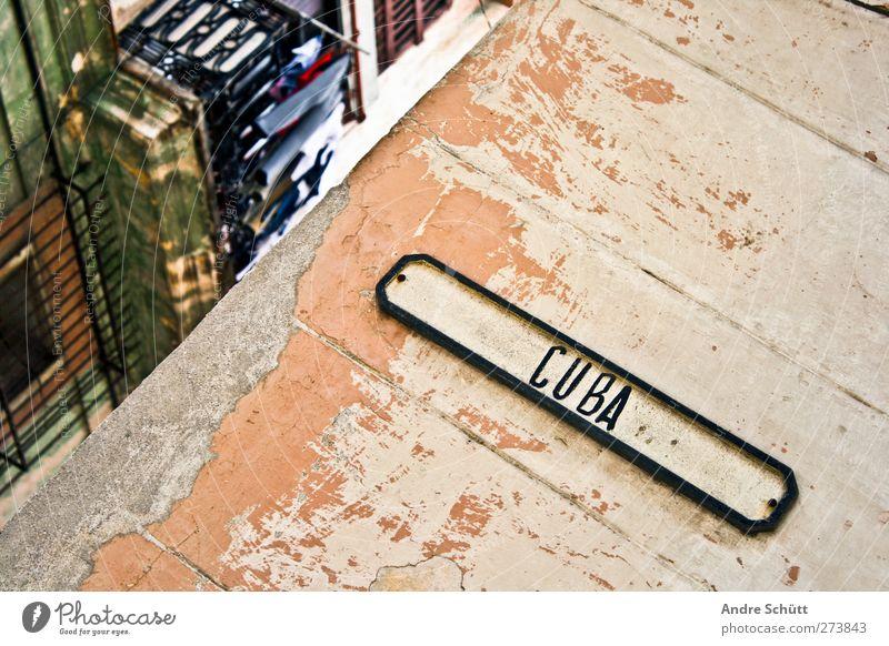 Cuba • Havanna alt Stadt Haus Wand Mauer Wohnung Fassade Tourismus Design Häusliches Leben trashig Kuba exotisch Zerstörung Surrealismus Stolz