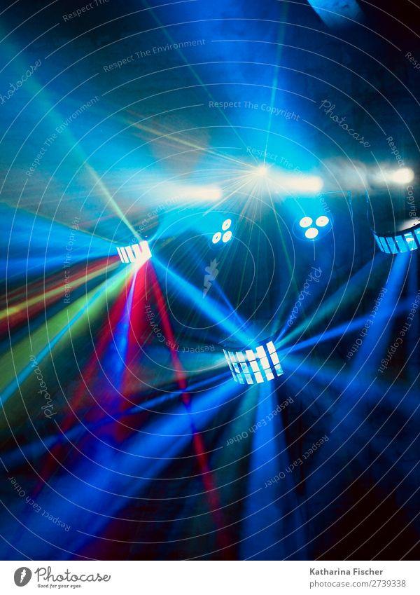 Farbige Lichtstrahler Lichtschein Lichtspiel Disco Veranstaltung Show Party leuchten blau mehrfarbig grün rosa rot silber türkis weiß Farbfoto Innenaufnahme