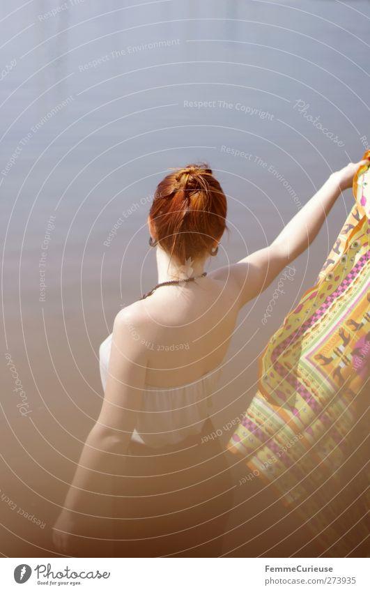 Sommer Kollektion 2012. Mensch Frau Jugendliche Ferien & Urlaub & Reisen schön Sonne Meer Strand Erwachsene feminin Leben Freiheit Stil Junge Frau Wellen