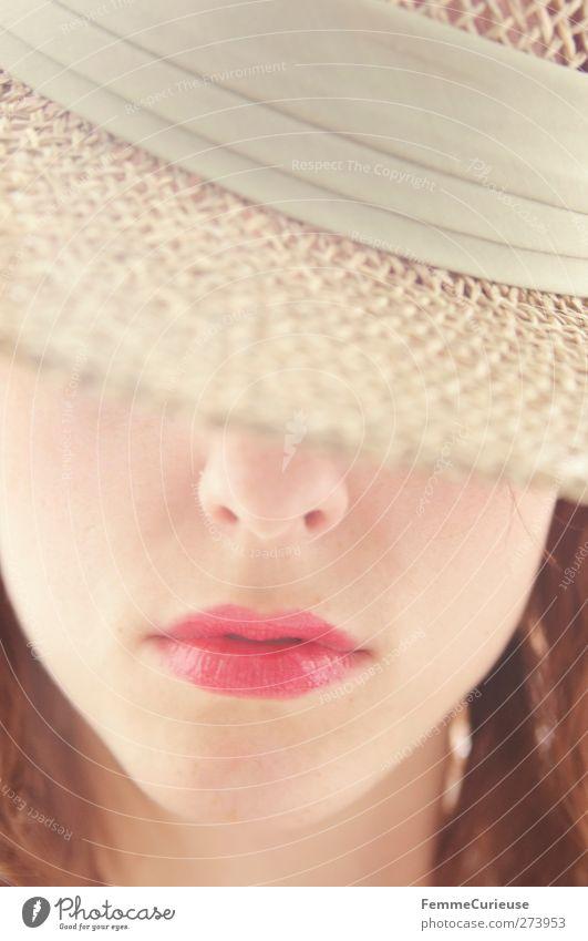 Verdeckt. Mensch Frau Jugendliche schön rot ruhig Erwachsene Gesicht Erholung feminin Erotik Stil Junge Frau offen Haut elegant
