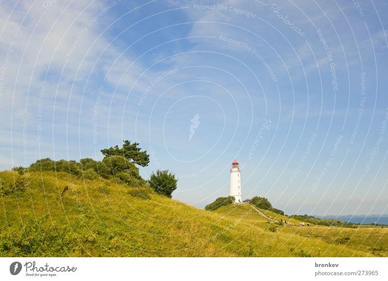 Großer Leuchtturm 002, Hiddensee Landschaft Sommer Schönes Wetter Hügel Küste Ostsee Menschenleer Wahrzeichen Schifffahrt entdecken Erholung fest blau grün