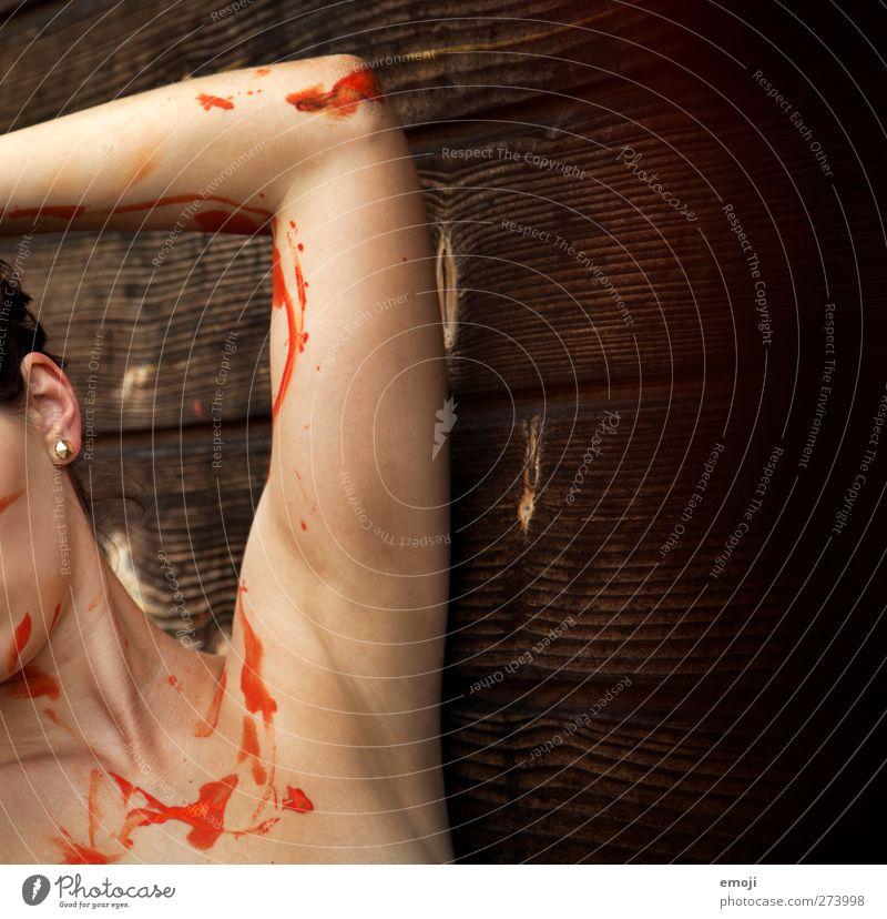 splash feminin Junge Frau Jugendliche Arme 1 Mensch 18-30 Jahre Erwachsene nackt orange Körpermalerei anonym Farbfoto Außenaufnahme Detailaufnahme